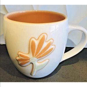 Starbucks Coffee 2006 Cup Embossed Daisy Peach